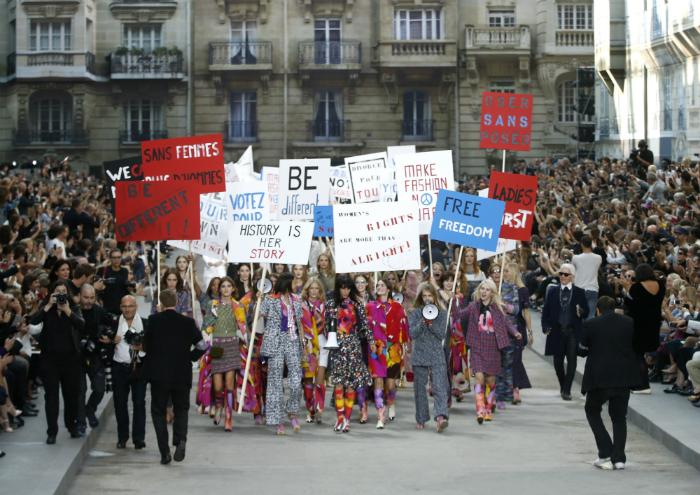 Chanelin mallit marssivat naisten oikeuksien puolesta
