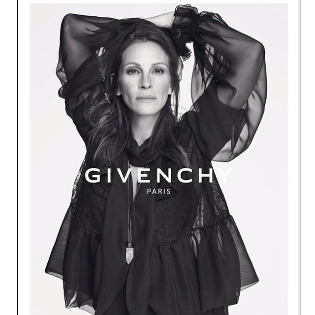 Julia Roberts Givenchyn dramaattisissa mainoskuvissa