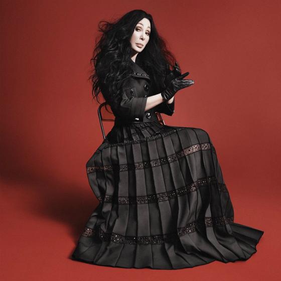 Cher yllättää Marc Jacobsin mainoskasvona