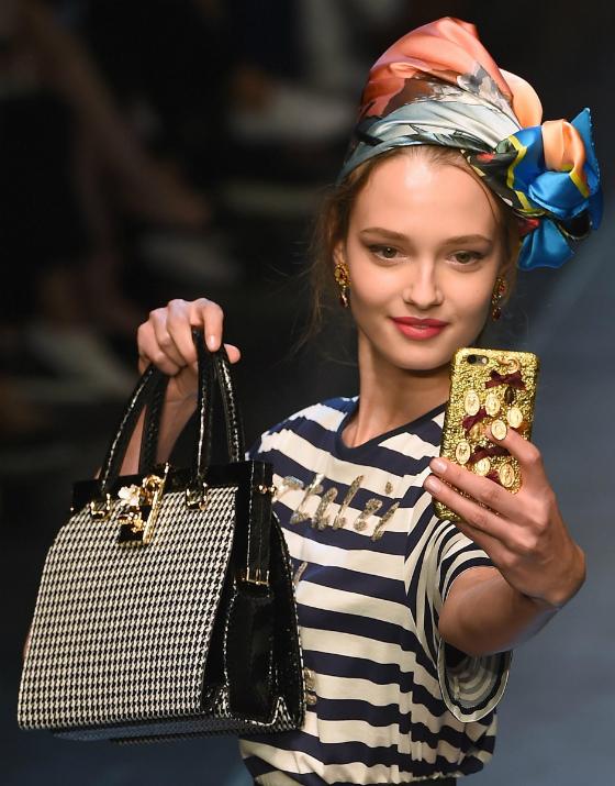 Dolce & Gabbanan muotinäytös kokeili jotain aivan uutta