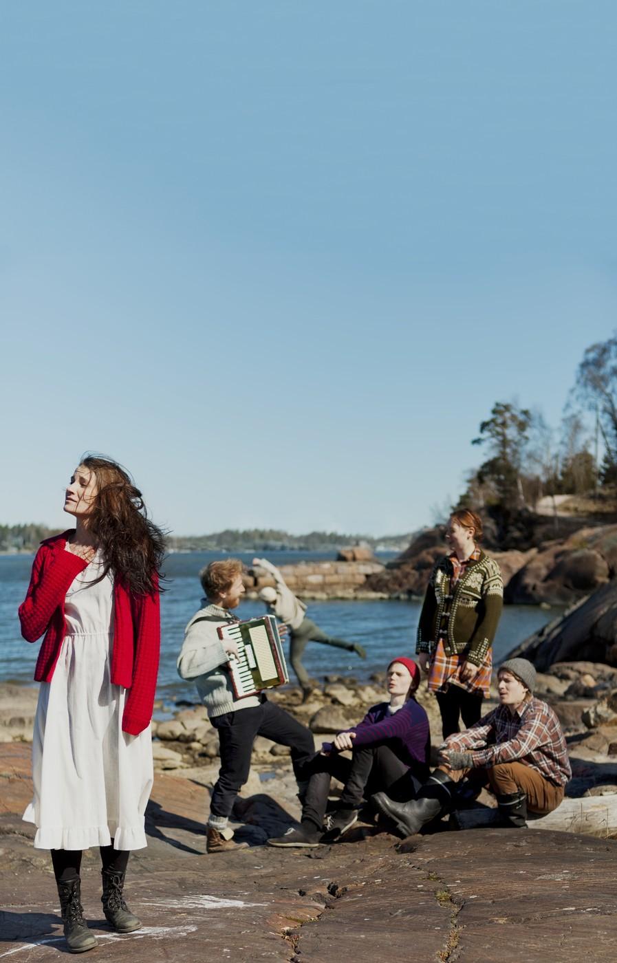 Meriteatteri-2014-Laura-Halonen-Esa-Matti-Smolander-Hannes-Mikkelsson-Antti-Autio-Vera-Veiskola-Jussi-Pekka-Parviainen.jpg