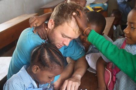 Kun matkustaa kauas, näkee lähelle – kokemus vapaaehtoistyöstä Afrikassa