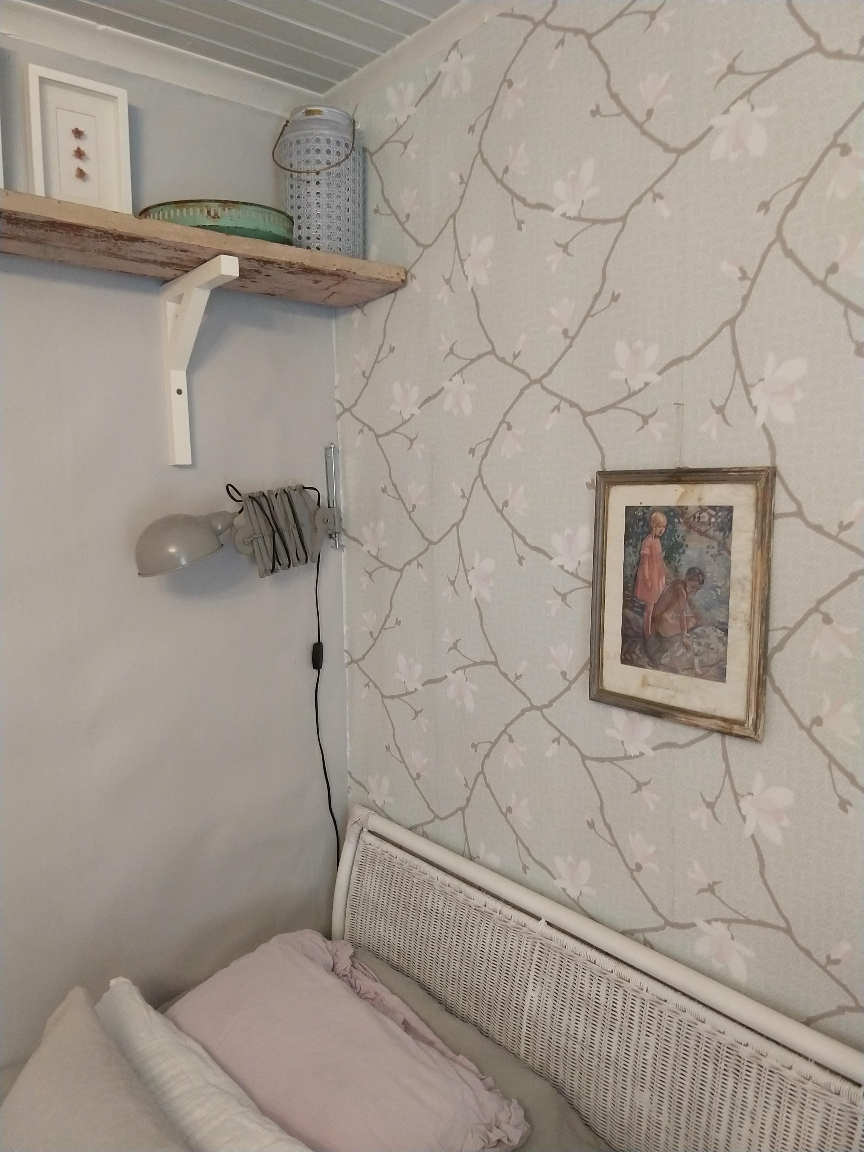 Makuuhuone lähikuva taulusta.jpg
