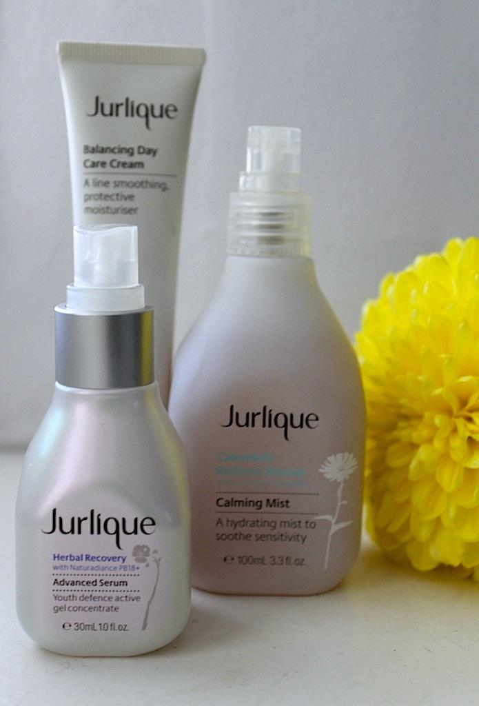 Jurlique – aamukastetta kedolta