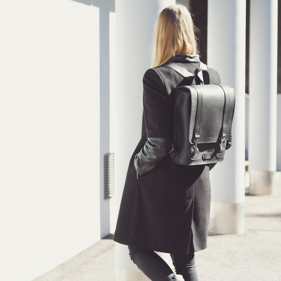 KASPERI_Backpack_Small_Black_2_neliö.jpg