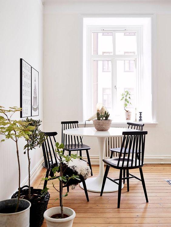 pöytä.jpg