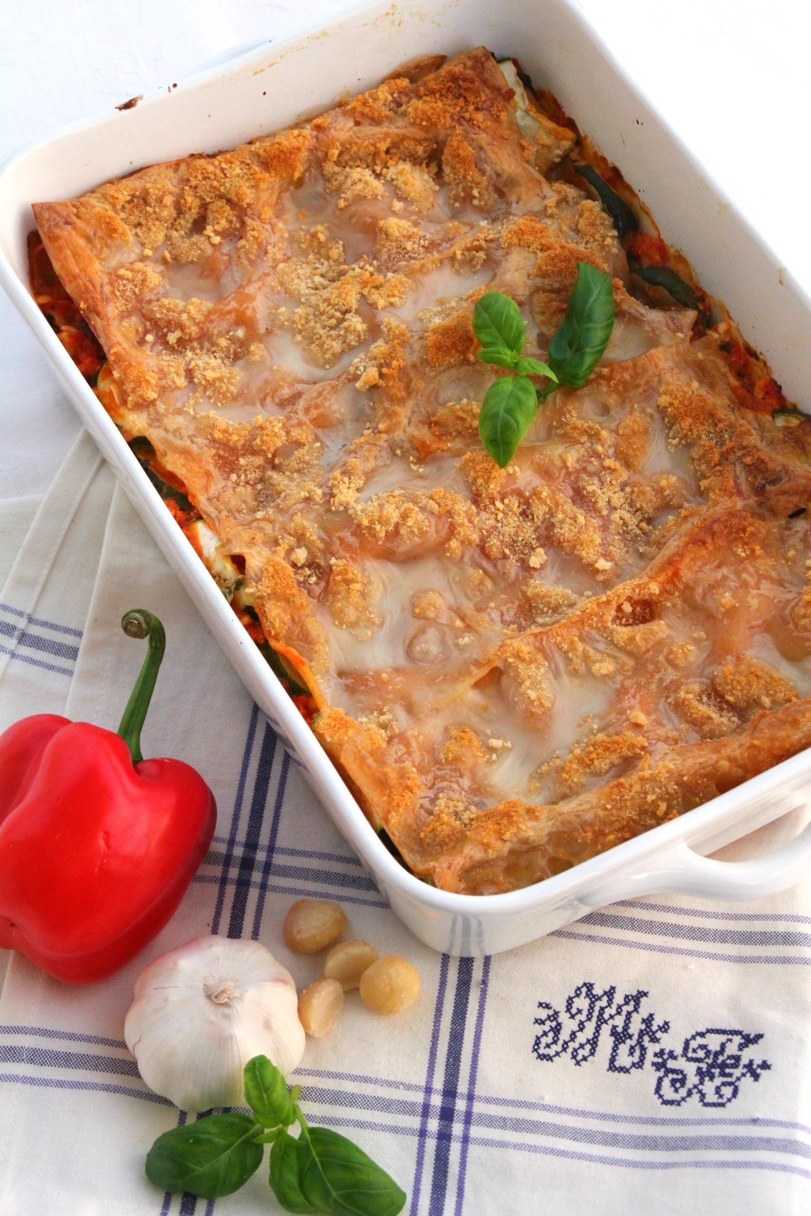 Vegaanin lasagne makadamiapähkinöillä