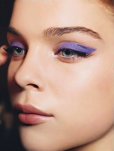 Wanted: violetti eyeliner