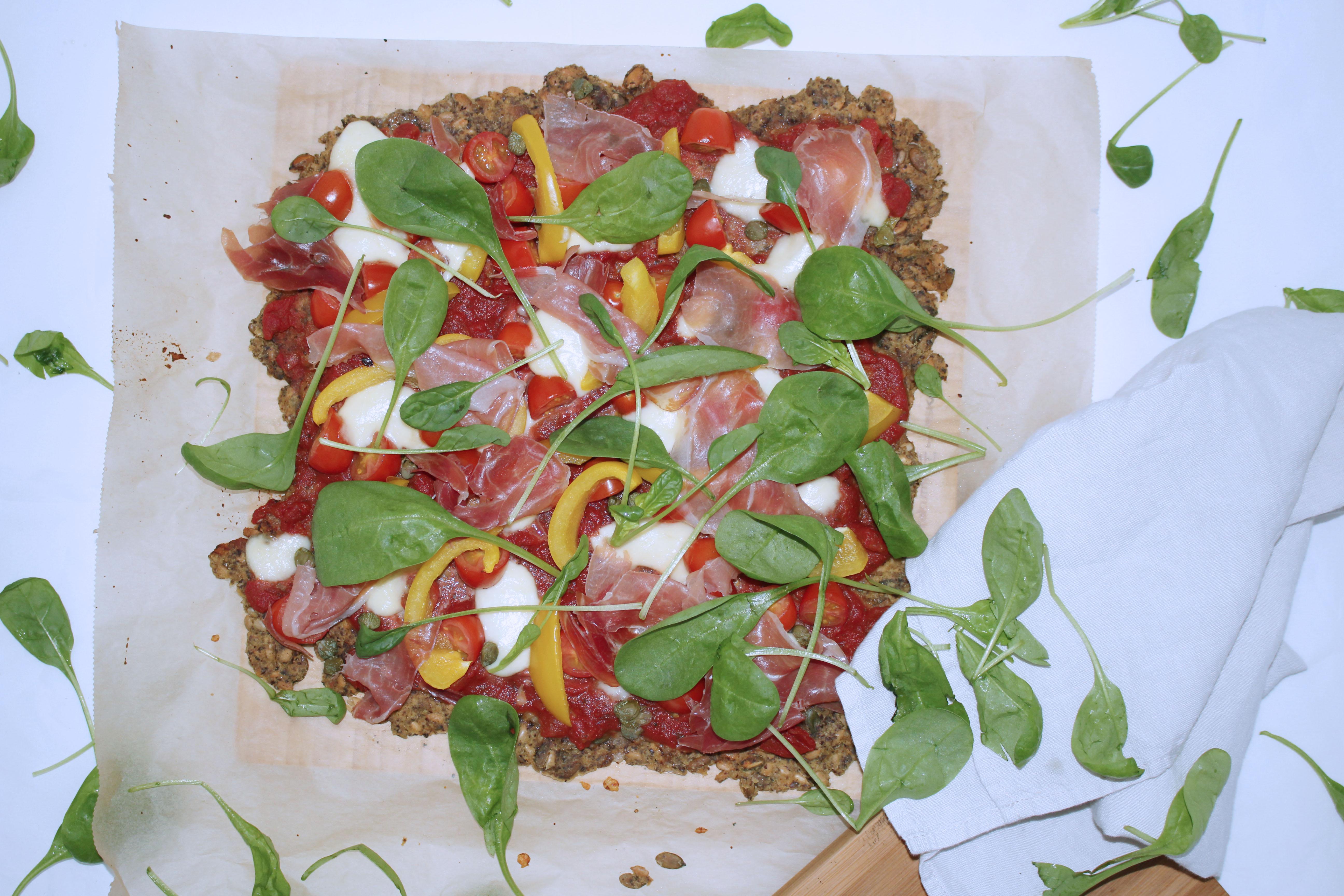Gluteeniton pizzapohja  siemenistä!