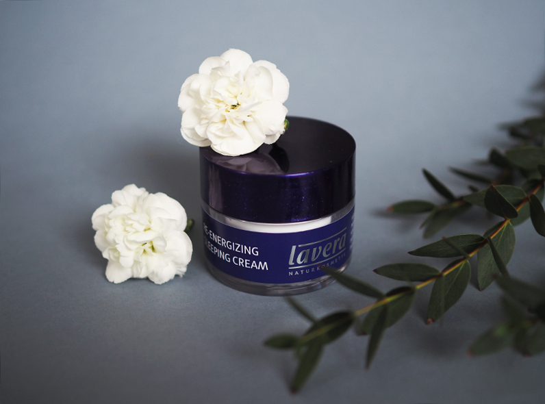 lavera sleeping cream 3.jpg