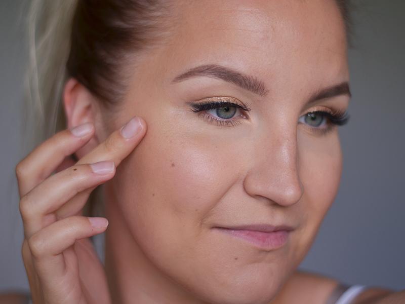 glitter meikki ohjeet 1.jpg