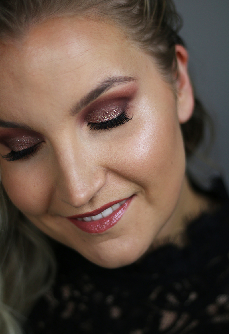 urban decay naked cherry cut crease 1.jpg