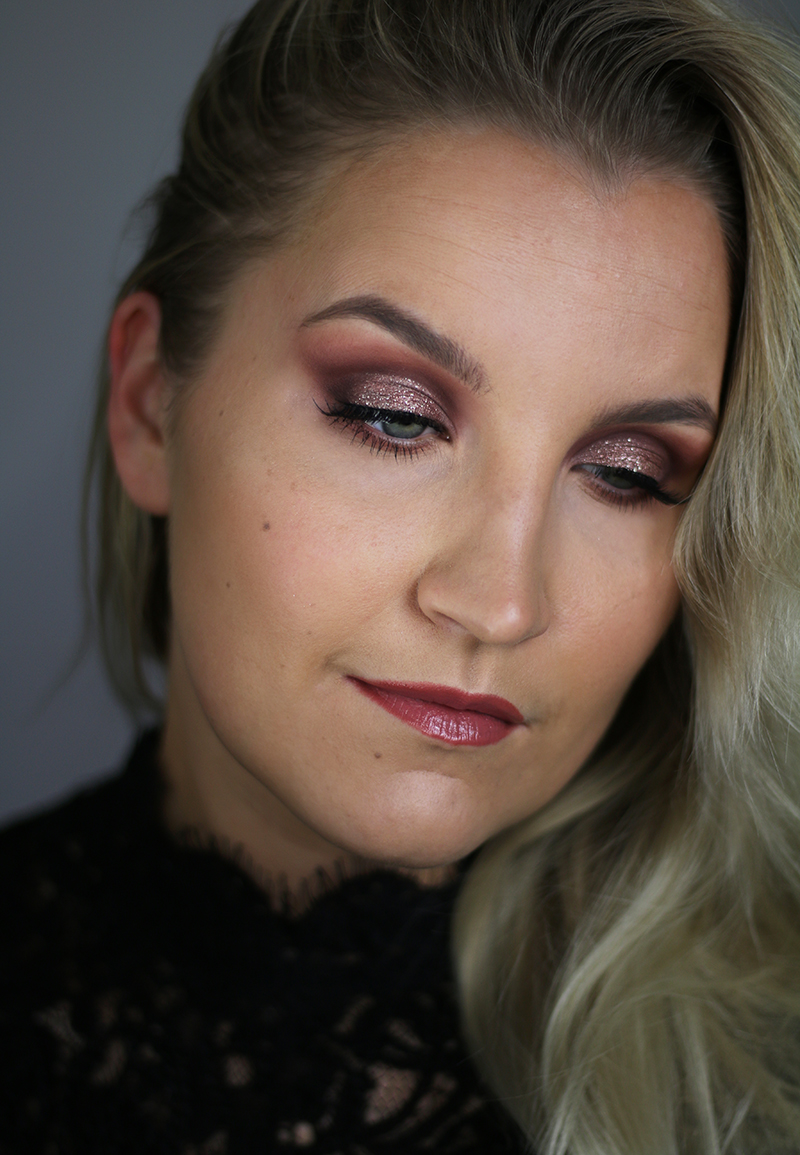 urban decay naked cherry cut crease 3.jpg
