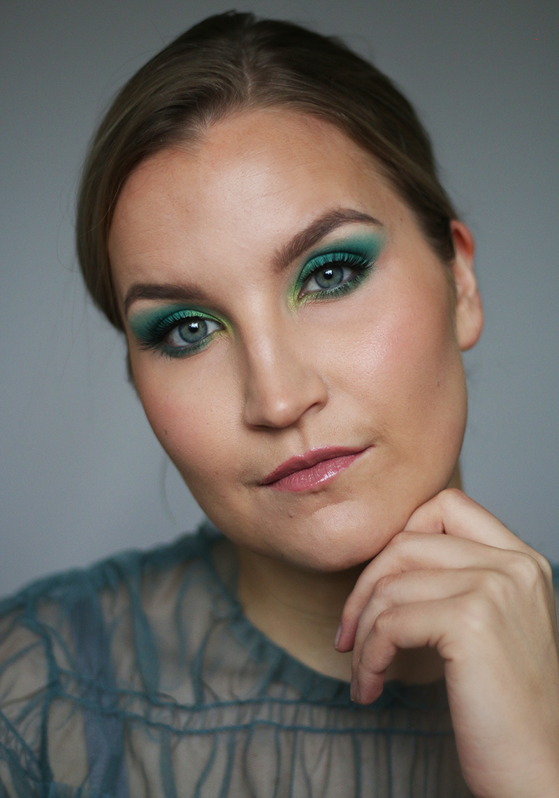 Camilla Bellen turkoosi Golden Globe -meikki + Insta-tutorial