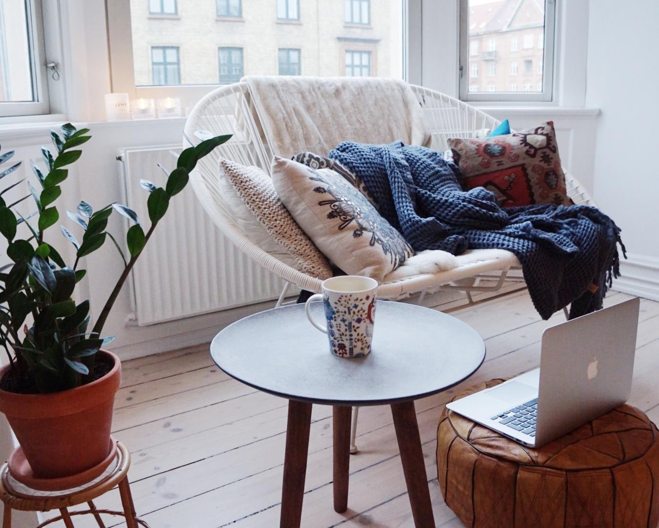 Sunnuntaiaamu ja pohdintaa blogista