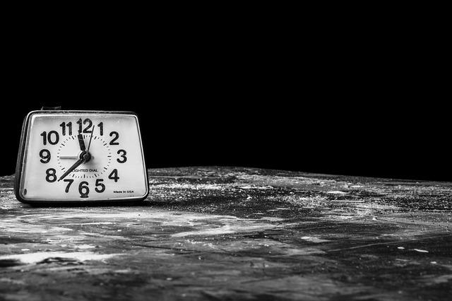 alarm-clock-238524_640.jpg