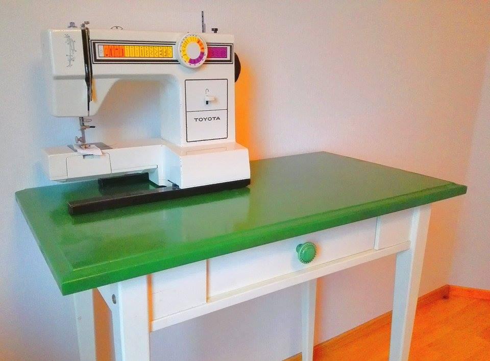 vihreä työpöytä.jpg