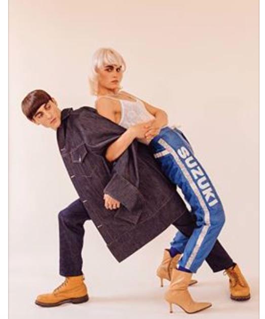 Bangs + Suzukihousut + Nudekorkokengät + Siniset sukkahousut