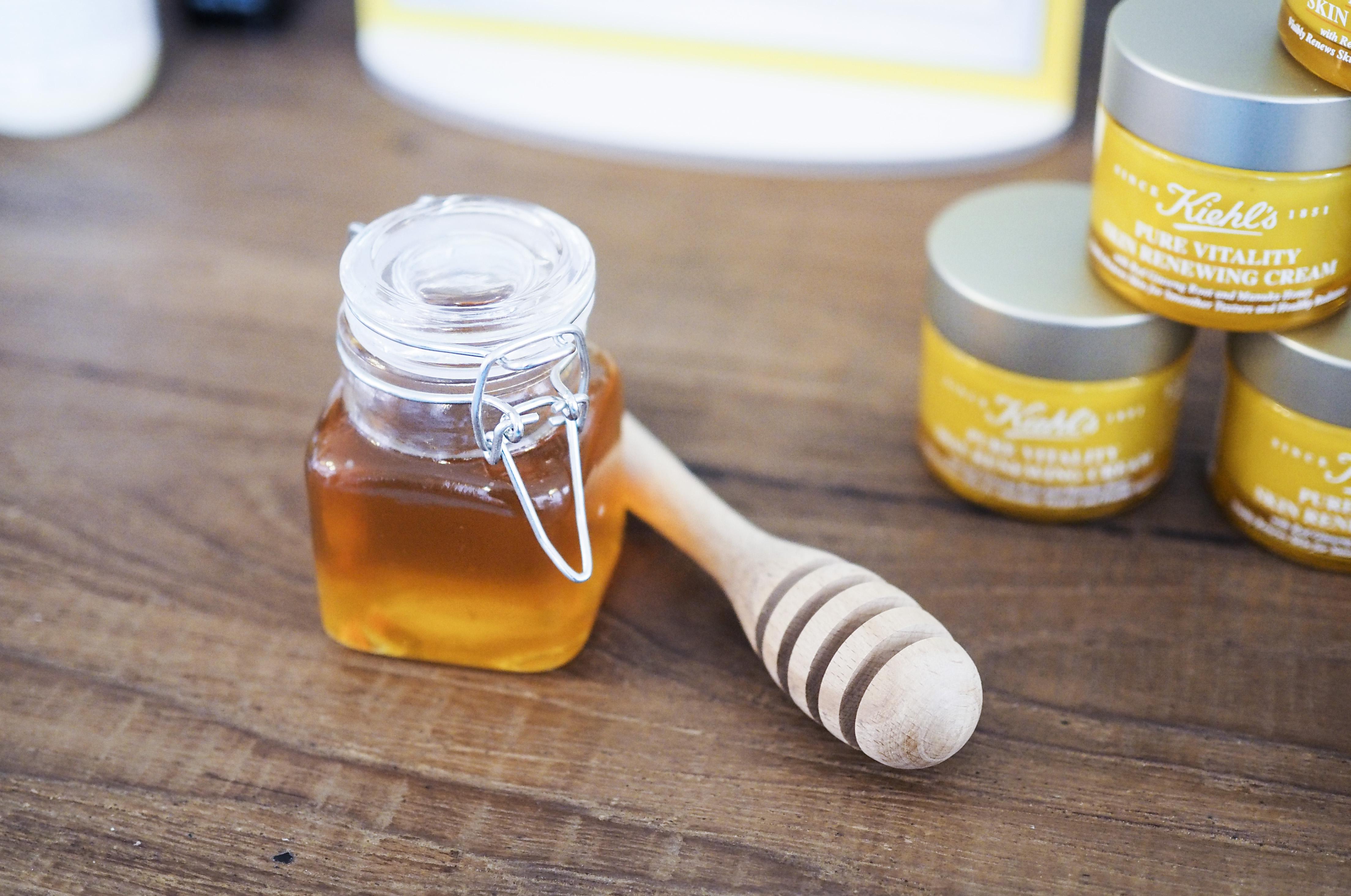 kiehl´s pure vitality skin renewing cream 3.jpg