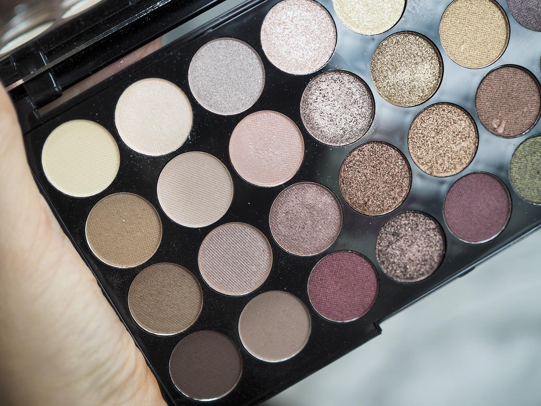 MakeupRevolutionpalettes16pieni.jpg