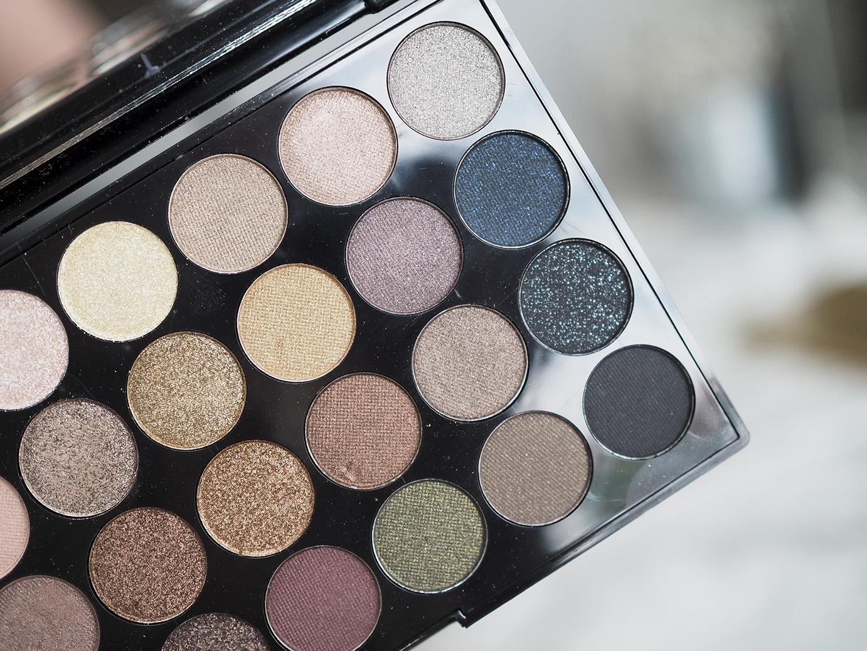 MakeupRevolutionpalettes17pieni.jpg