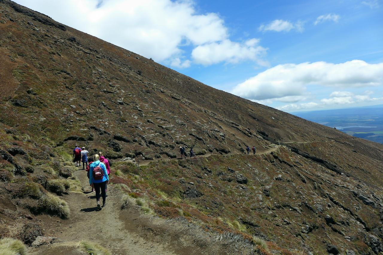 tongariro_alpine_crossing1.jpg