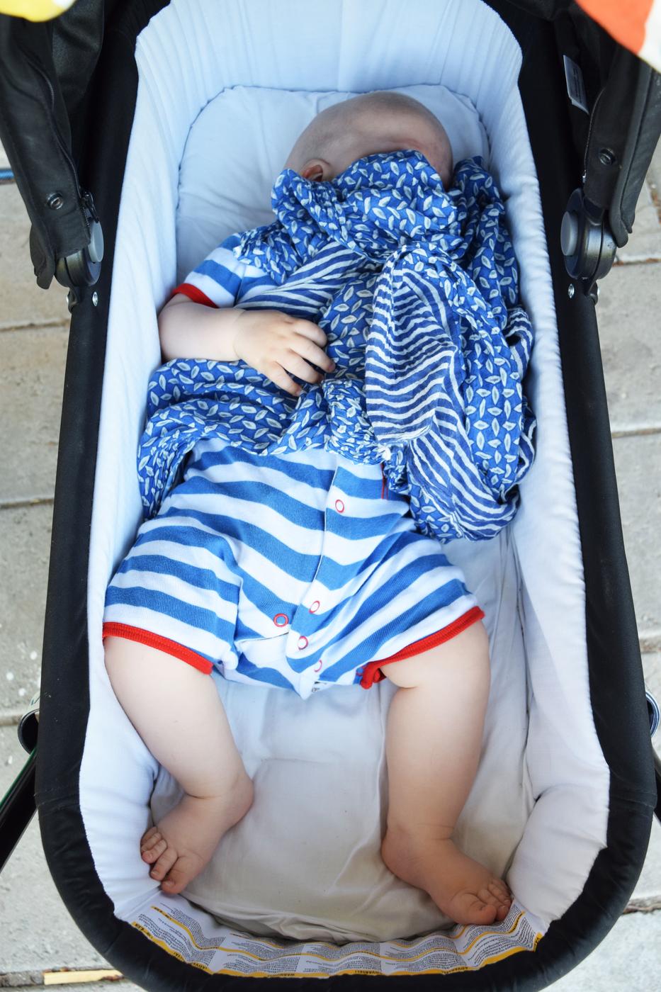 vauvan jalat.jpg