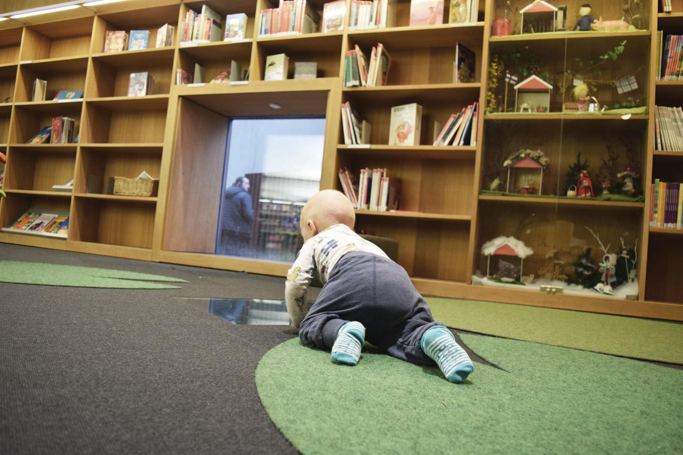 kirjastossa4.jpg