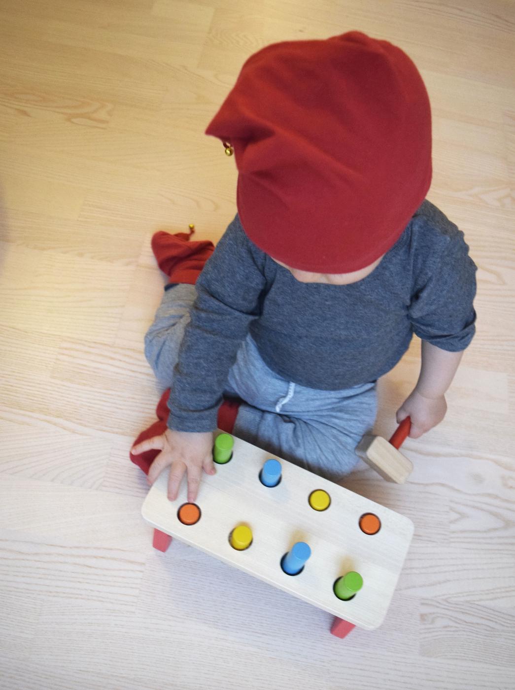 vauva leikkii3.jpg