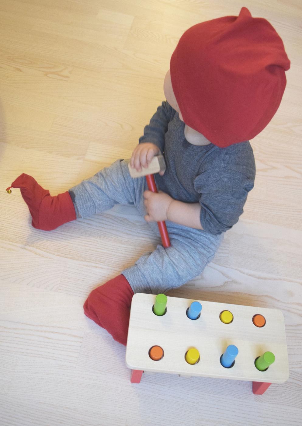 vauva leikkii5.jpg