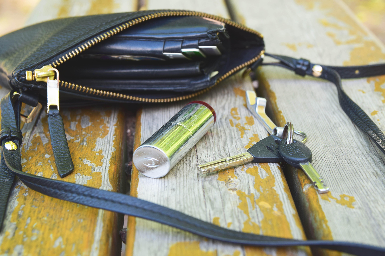 käsilaukku ja avaimet3.jpg