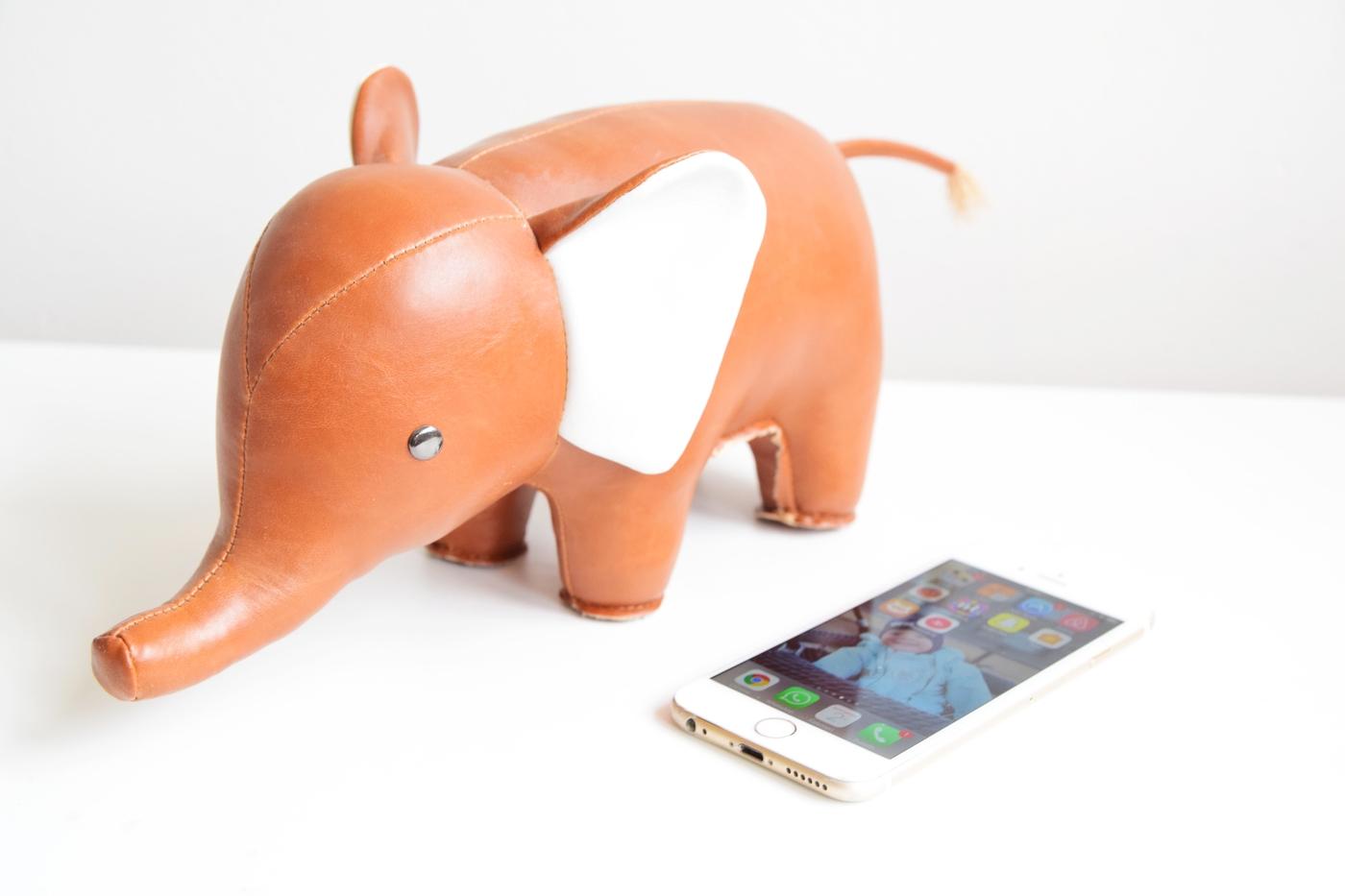 puhelin ja elefantti2.jpg