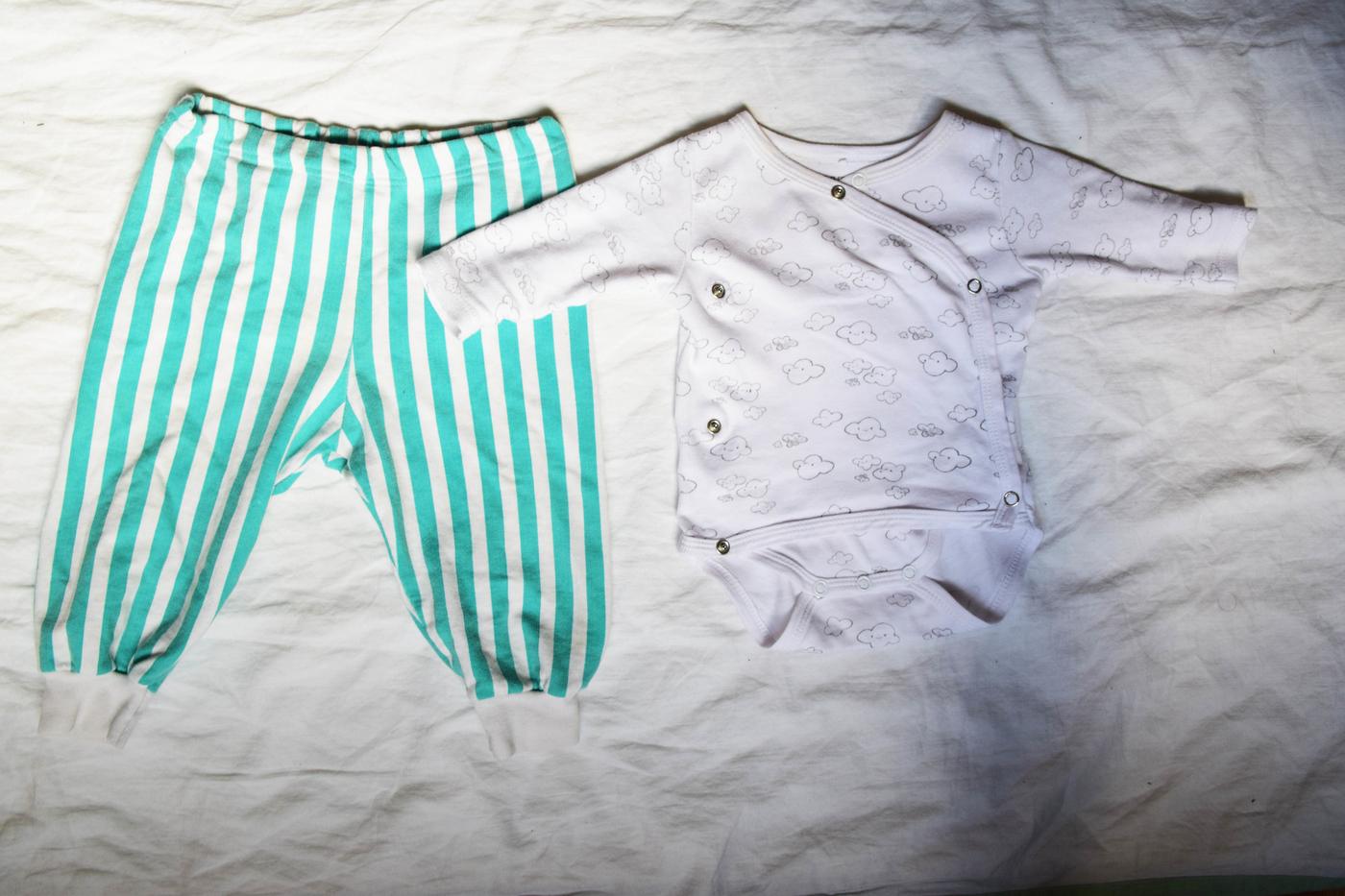 lonkkalasta miten pukea vauva4.jpg