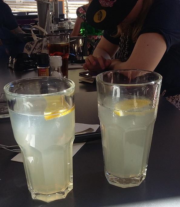 drinksut.jpg