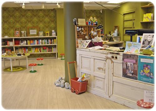 Lastenkokoinen kirjakauppa – tutustumassa Suomen lastenkirjakauppaan