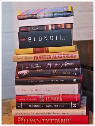 Kirja-arvonnan voittaja ja K-blogin kesäkirjavinkit