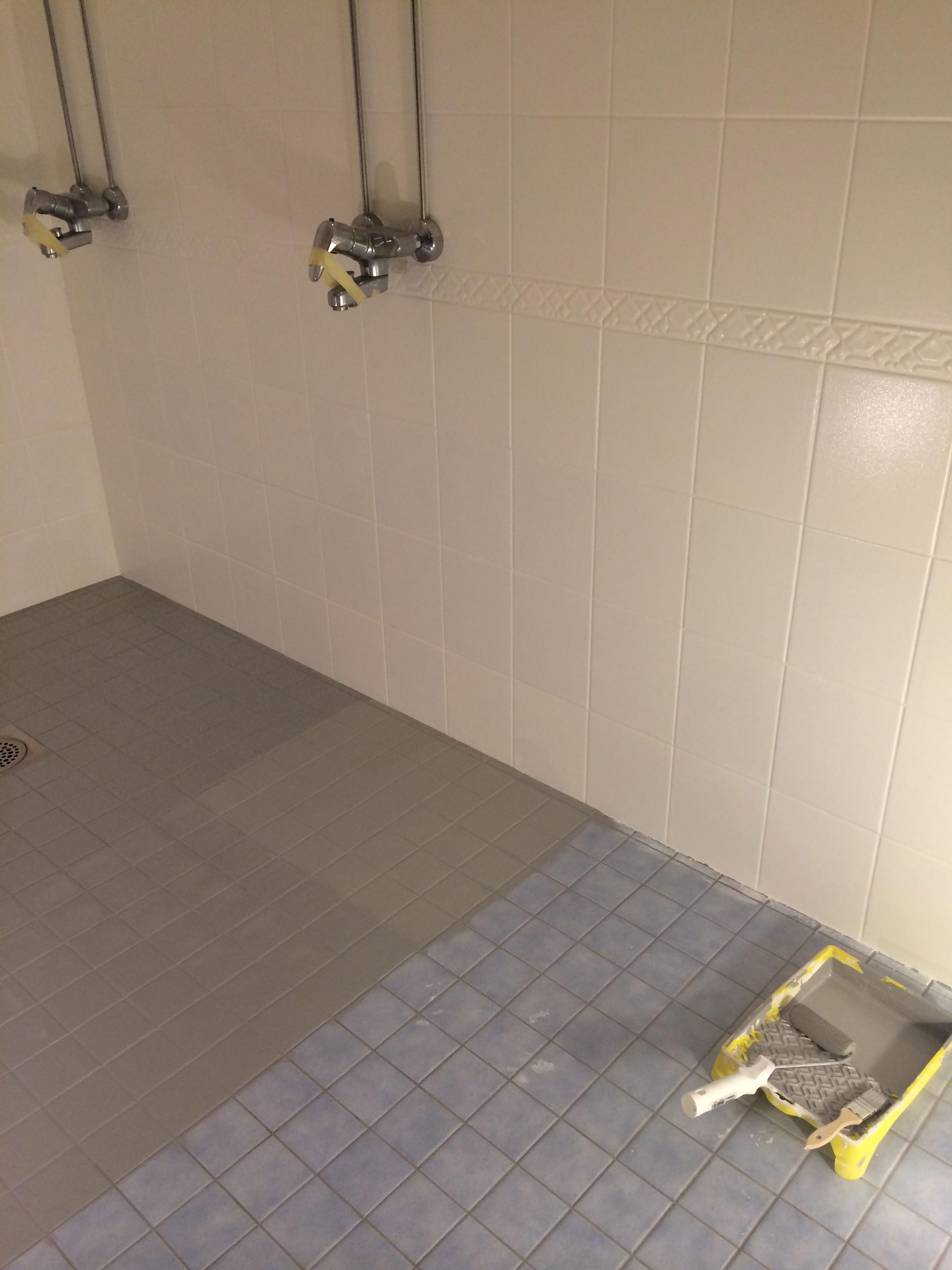 Kylpyhuoneen Kaakelien Maalaus