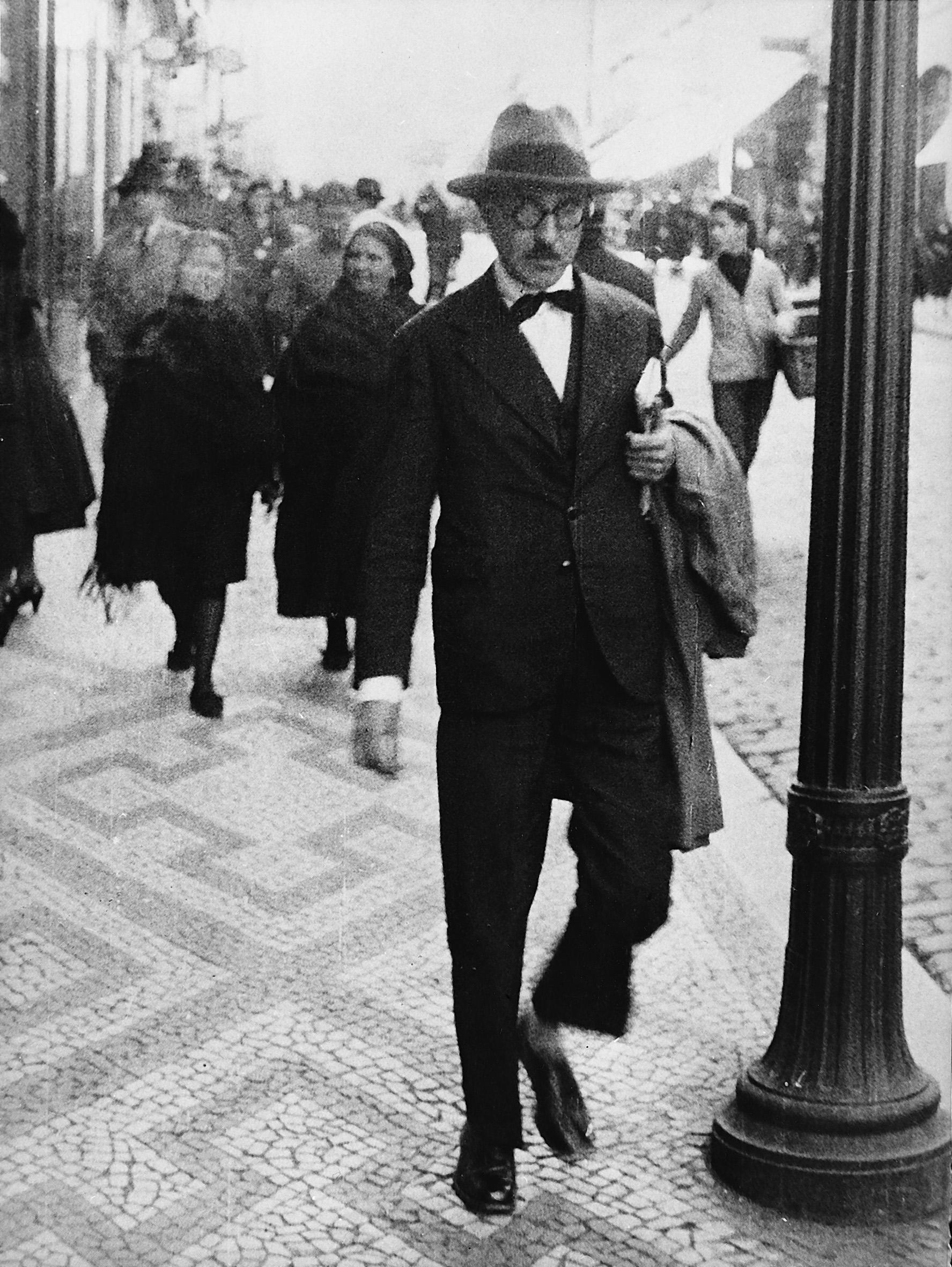 Kuolleiden runoilijoiden kerho: Fernando Pessoa