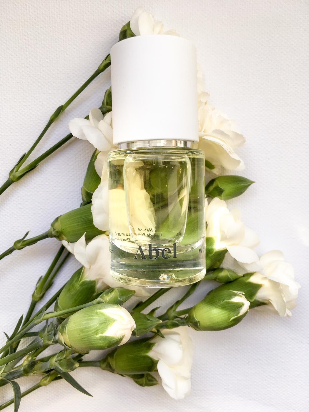 Vaihdoin synteettiset parfyymit luonnollisiin: Abel Vita Odor