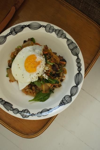 Paistettu kimchi-ohra