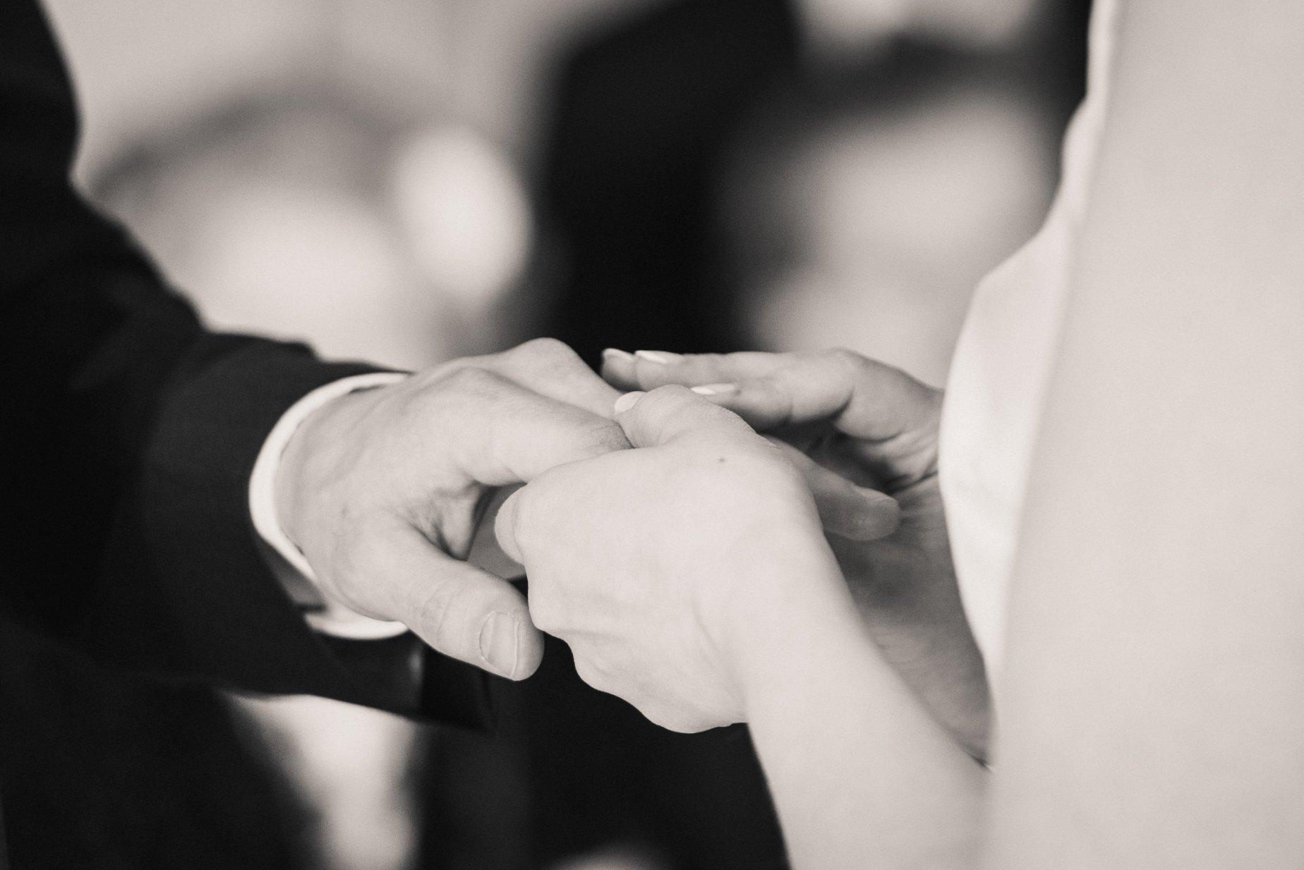 Avioliitto omilla ehdoilla