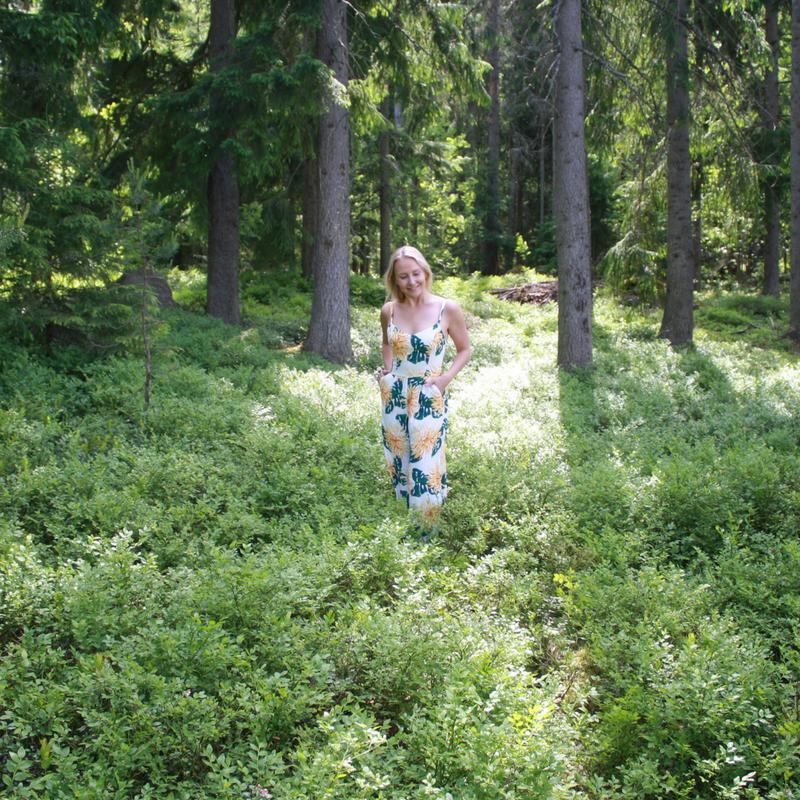 Emma_metsässä.png