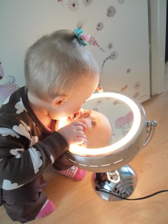 Kaunis peilikuva