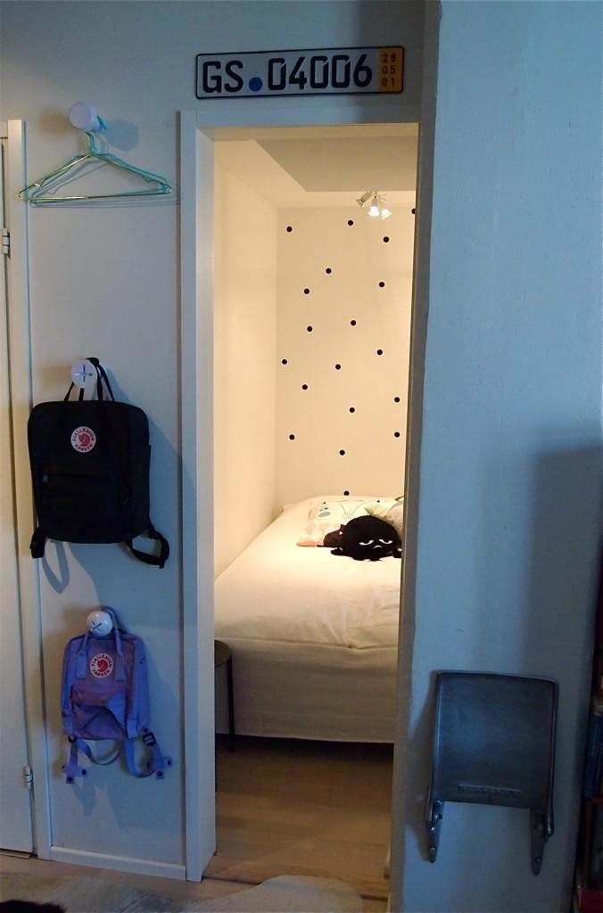 """DIY(kö?): Eli makuualkovi kaipaa oven tai """"oven"""""""