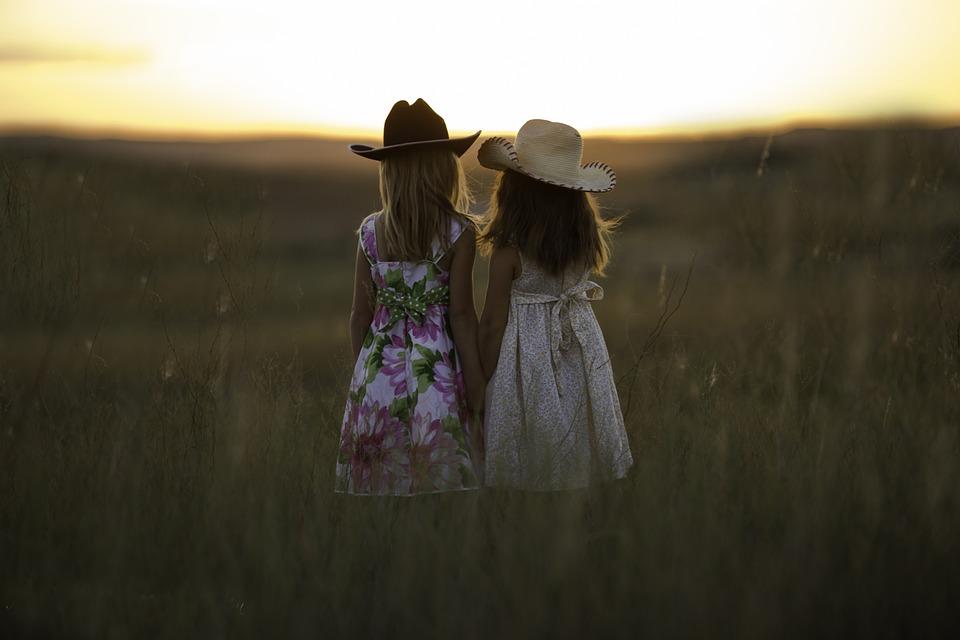 sisters-931151_960_720.jpg