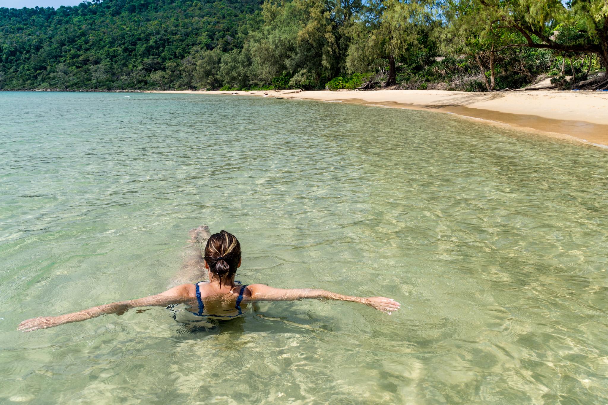 Lazy Beach -majatalon ranta Koh Rong Samloenilla