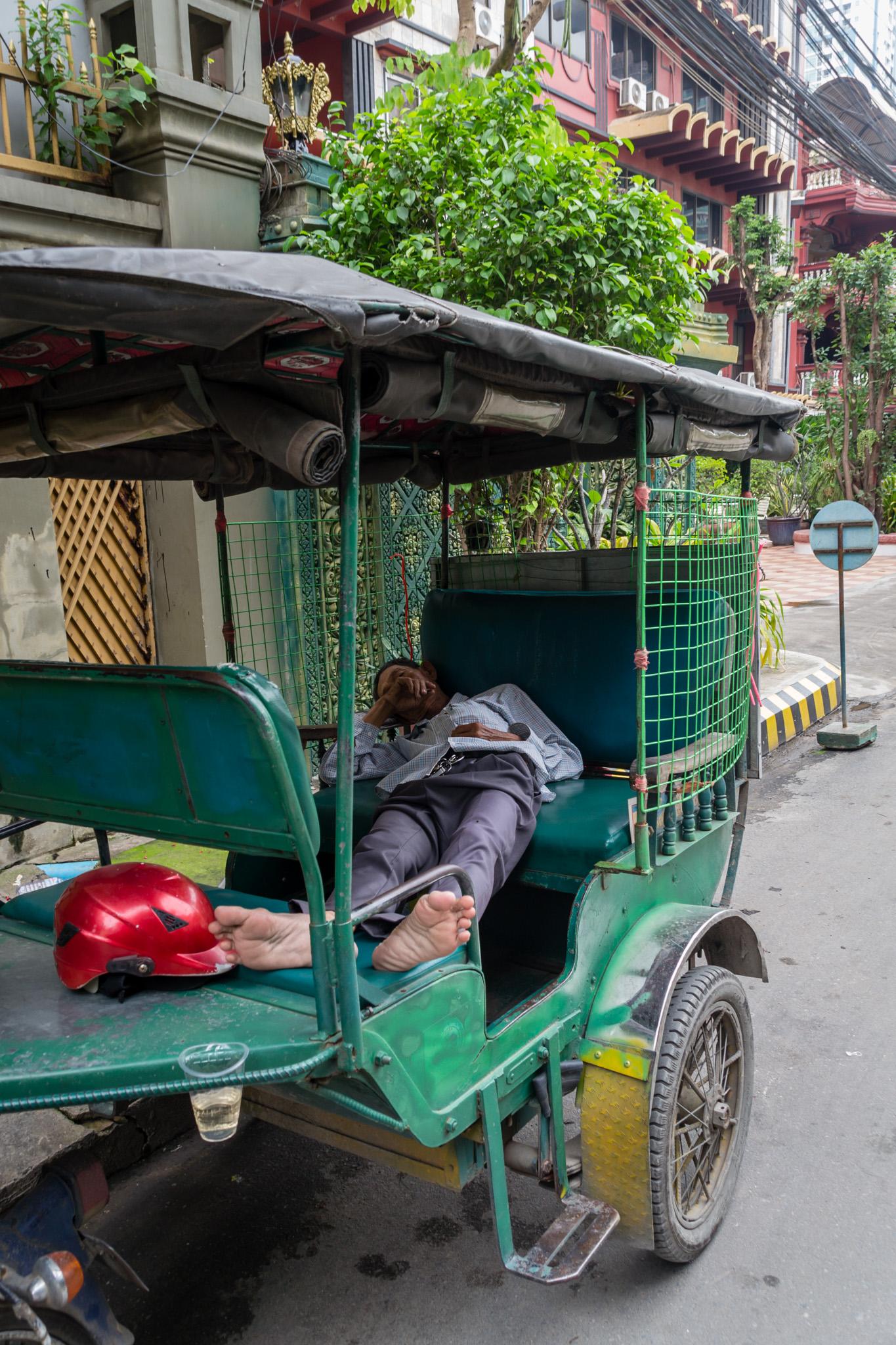phnom-penh-tuktuk.jpg