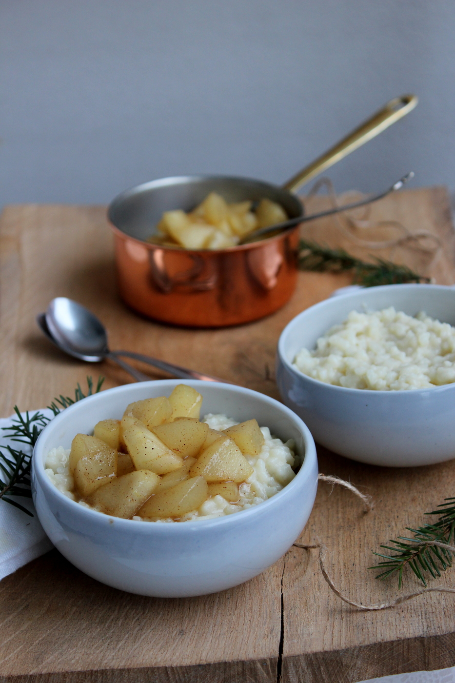 Maidoton riisipuuro ja kaneliset päärynäpalat
