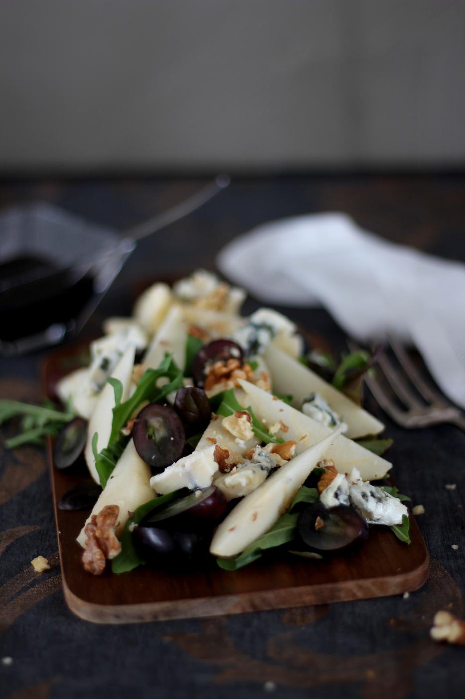 Päärynäsalaatti balsamicosiirapilla