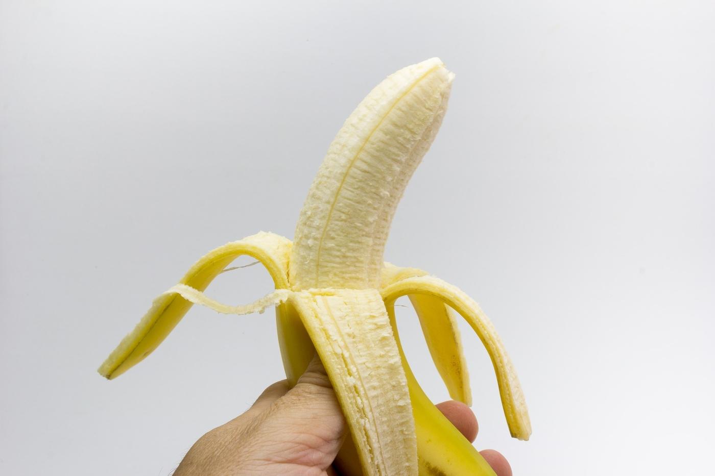 Kuinka paljon kaloreita tai sokereita on banaanissa?